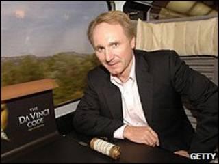 Nhà văn Dan Brown