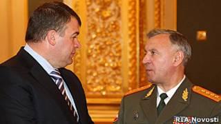 Министр обороны Анатолий Сердюков и начальник Генштаба Николай Макаров