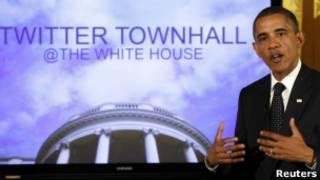 Obama responde ao público durante o Twitter Town Hall (Reuters)