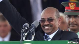 Omar al-Bashir, presidente do Sudão, em cerimônia de independência do vizinho do sul (Reuters)