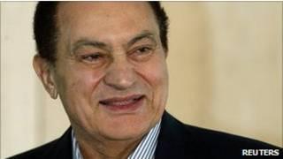 Ông Mubarak theo dự kiến sẽ phải ra tòa vào tuần tới với các cáo buộc tham nhũng và ra lệnh giết người biểu tình.