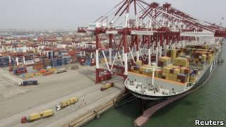 Porto de Qingdao, na província de Shandong , China. Reuters