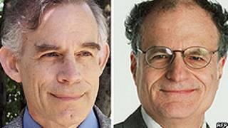 Thomas Sargent (dir.) e Christopher Sims (Foto: AFP/Universidade de Nova York/Universidade de Princeton)