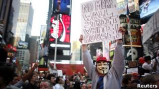 """Người biểu tình """"Chiếm phố Wall"""" xâm nhập Quảng trường Thời Đại"""