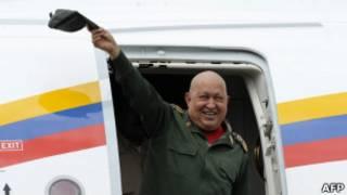 Chavez a su llegada de Cuba