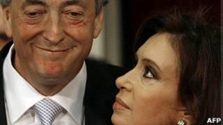 Néstor e Cristina Kirchner, em foto de arquivo (AFP)