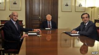 George Papandreou, Karolos Papoulias e Antonio Samaras (Foto: AFP)