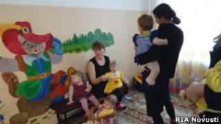 Дети в доме малютки при Можайской женской колонии
