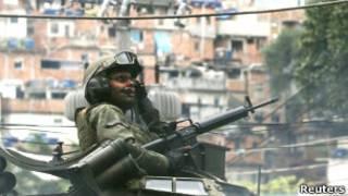Soldado na Rocinha. Foto: Reuters