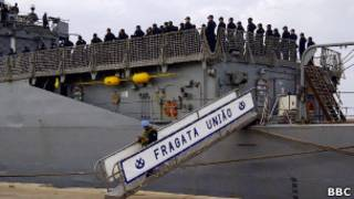 Militar desembarca da fragata União