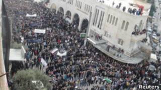 Protestos anti-governo (Reuters)