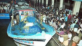 भारतीय मछुआरों की नौका जिस पर हमला हुआ