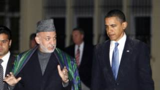 Perezida Obama ari kumwe na Perezida Karzai