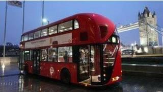 倫敦新型隨上隨下公交巴士車