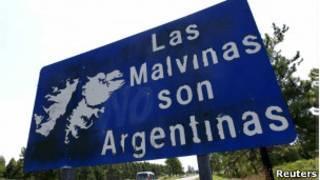 Placa sobre as Malvinas em Gualeguaychu. | Foto: Reuters