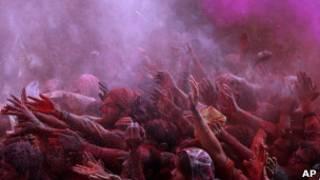 Holi, upacara Hindu tentang warna