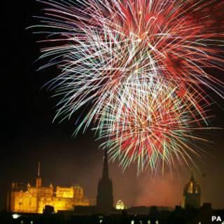 爱丁堡国际艺术节闭幕燃放焰火