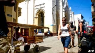 В Гаване возле католического храма