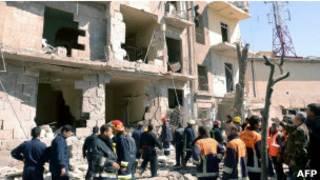 Здание, поврежденное взрывом