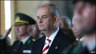 Eski Genelkurmay Başkanı İlker Başbuğ, Ergenekon davasında mahkûm oldu.