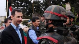 Assad đến thăm Baba Amr ở Homs