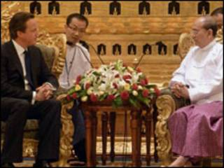 ဗြိတိန်ဝန်ကြီးချုပ် မြန်မာသမ္မတနဲ့ဆွေးနွေးစဉ်