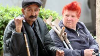Таджикские старики в доме престарелых Вахдата