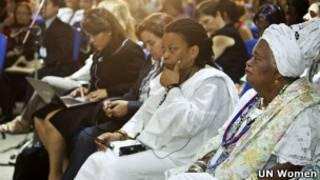 Participantes de fórum da ONU Mulheres em paralelo à Rio+20 (Foto: UN Women)