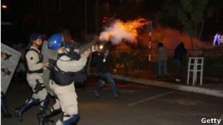 Polícia de choque do Paraguai (Foto: Getty)
