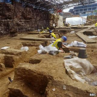 Foto de arquivo de escavação em Spitalfields, no leste de Londres