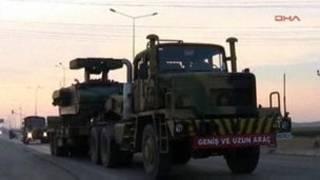 شام کی سرحد کی طرف جاتے ہوئے ترکی کے ٹرک