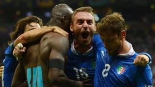 Tuyển Ý ăn mừng chiến thắng trước Đức và lọt vào chung kết