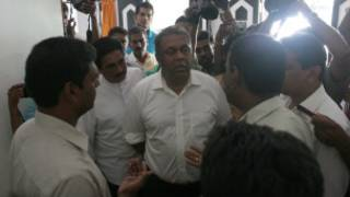Mangala Samaraweera, MP, at Sri Lanka Mirror office as police arrived to search the website office (file photo)