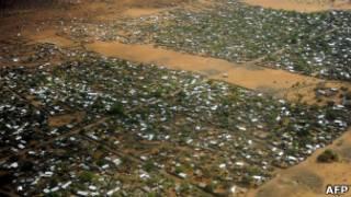 مخيم داداب للنازحين الصوماليين
