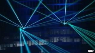 Лазерное шоу в честь открытия небоскреба Shard в Лондоне