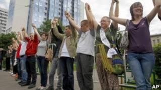 Протестующие у здания Следственного комитета