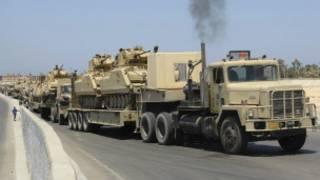 رتل من العربات العسكرية