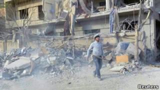 После обстрела в пригороде Дамаска