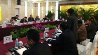 ကေအိုင်အိုနဲ့အစိုးရငြိမ်းချမ်းရေး ဖေါ်ဆောင်ရေးအဖွဲ့ ဆွေးနွေးပွဲ