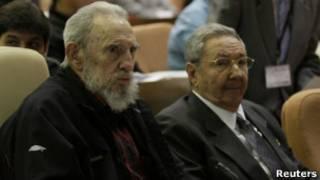 Fidel dan Raul Castro