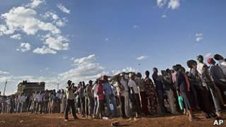 Colas en Kenia