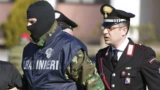 Des agents de la police italienne