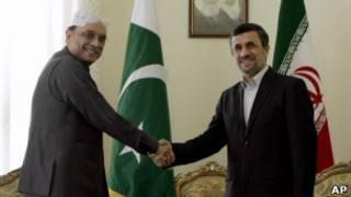 Presiden Pakistan, Asif Ali Zardari, dan Presiden Iran, Mahmoud Ahmadinejad.Presiden Pakistan, Asif Ali Zardari, dan Presiden Iran, Mahmoud Ahmadinejad.