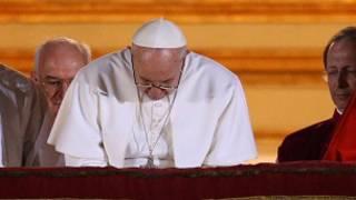 Tân Giáo hoàng ra mắt