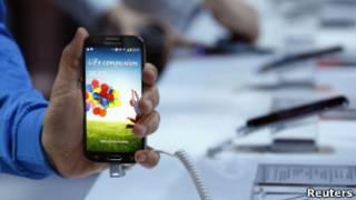 Смартфон Samsung Galaxy 4S