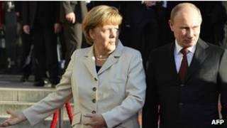 أنغيلا ميركل مع فلاديمر بوتين