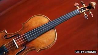 斯特拉迪瓦裏父子製作的小提琴