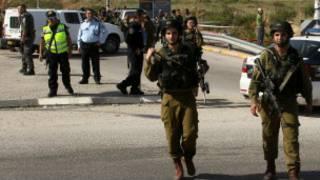 قوات إسرائيلية في مكان الحادث