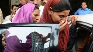 सरबजीत: बेटी पूनम और पत्नी सुखप्रीत कौर