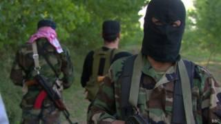 Milicianos na fronteira sírio-libanesa (BBC)